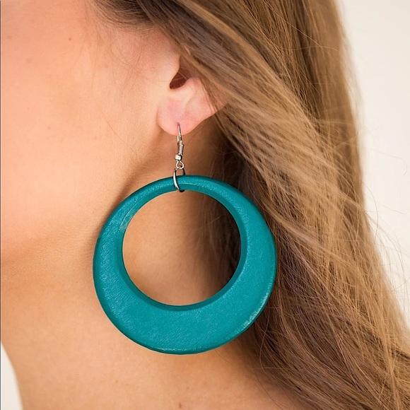 ❤️🔥5/$25❤️🔥Modern Malibu Barbie Wooden Earring